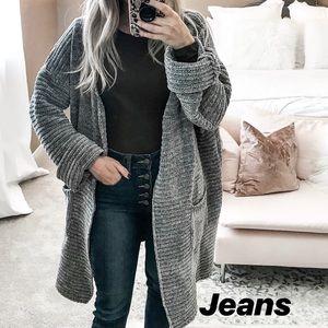 Sweaters - Grey CARDI